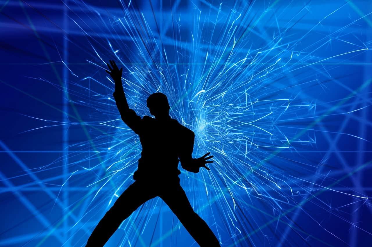 show 1544878065 - למה כדאי להזמין מופע קסמים פרטי לאירועים מיוחדים?